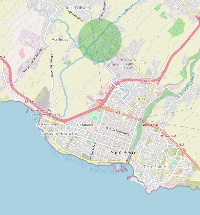 La Ligne Paradis un quartier de 3 960 habitants de la ville de Saint-Pierre .