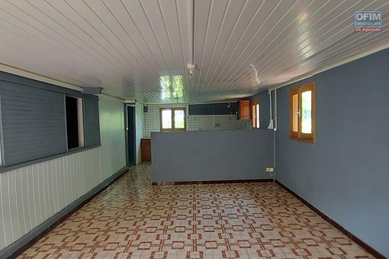 Maison F5 de 104 m2, terrain de 1643 m2 - Séjour / salle à manger