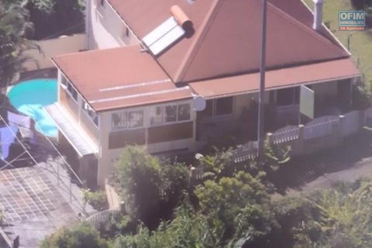 Villa F4/F5 de 180 m2 sur terrain de 460 m2