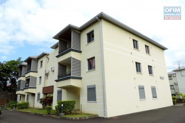 A vendre un appartement T2 à Saint Denis dans la résidence Le Rocher, à proximité du CHU de Bellepierre