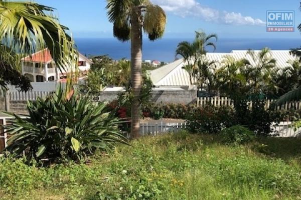 A vendre villa à la possession avec vue mer.