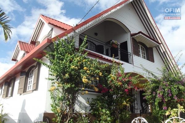 A SAISIR !!Belle propriétée de 3100 m2 , avec 2 maisons. UNE RECENTE ET UNE À RÉNOVER