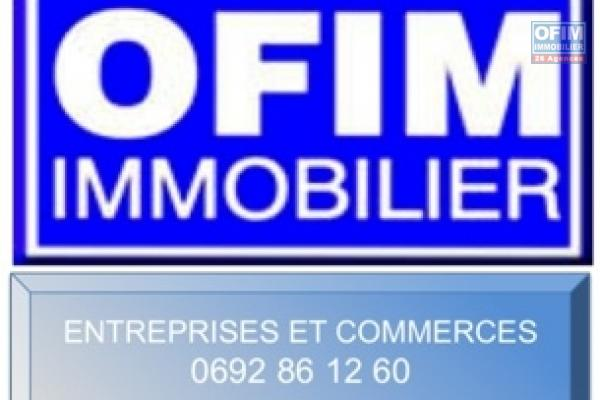 LOCAL COMMERCIAL AVEC PARKING CENTRE VILLE SAINT PIERRE