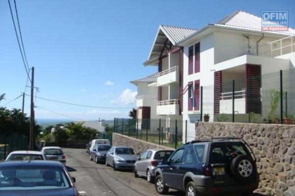 A louer un joli appartement T3 avec terrasse dans la résidence Coquelicots III à Sainte Clotilde