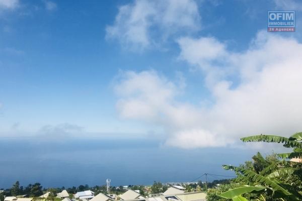 A vendre villa avec belle vue mer à  saint-paul.
