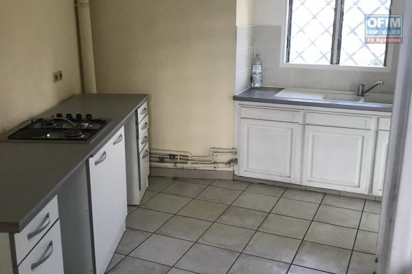 A vendre appartement de type 2 à la possession.