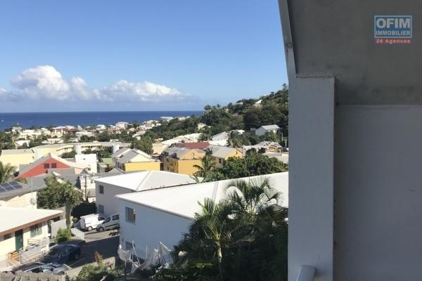 T2 avec vue montagne et océan