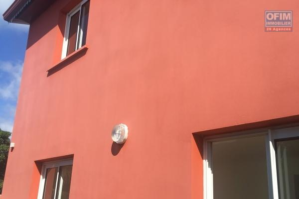 à saisir belle villa f3 duplex neuve sur Saint Benoit