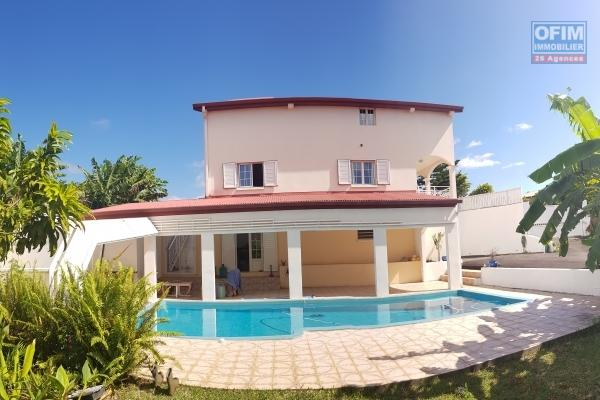 OFIM vous vend une villa exceptionnelle de 327 m2