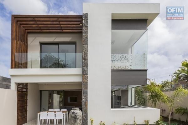 a vendre 2 maison sur deux niveaux bas de la possession