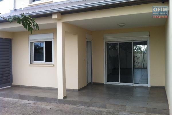 Villa F4 de 113 m2, terrasse, terrain 798 m2
