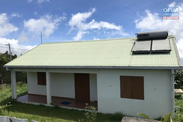 Maison F4 de 120 m2 avec terrasse, jardin, sur terrain de 201 m2