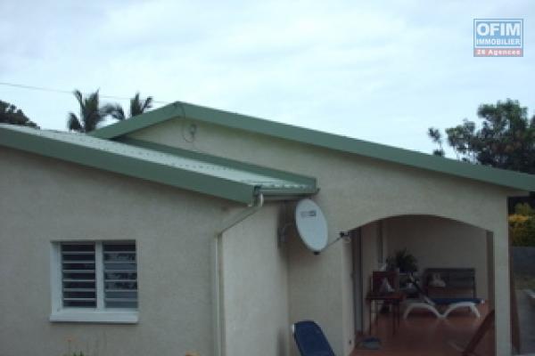 A louer petite maison de type F3 d'environ 70 m² au Tampon Trois Mares