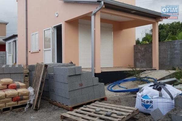 à louer villa f3 chemin Leclerc Saint André