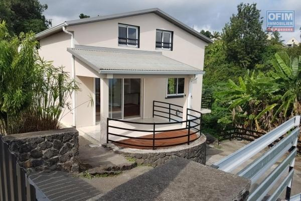 Villa F4 de 79 m2, jardin, terrasse, vue mer et montagne.