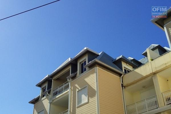 A vendre beau T4/5 plein centre de La Montagne avec belle terrasse vue mer.