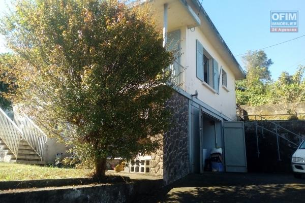 villa 7 pièces, 170 m2 sur 1000 m2 de terrain.