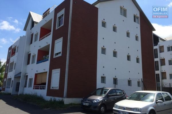A louer joli appartement de type F2 avec jardinet d'environ 52 m² au Tampon 14 éme
