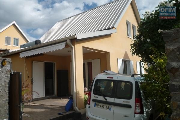 A louer villa F4 en duplex à Piton Saint Leu