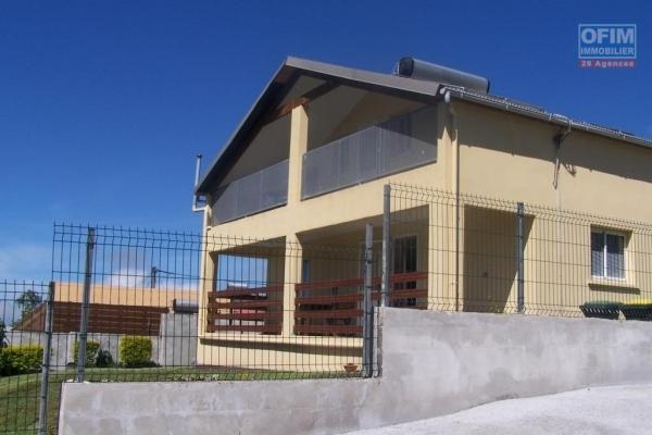 A louer trés jolie villa récente de type F4 d'environ 73 m² à la Plaine des Cafres