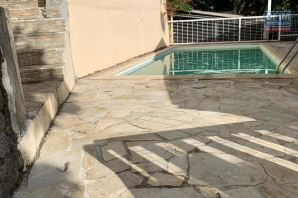 A vendre villa neuve jumelée de type 4 de 122,72 m2 à la possession.