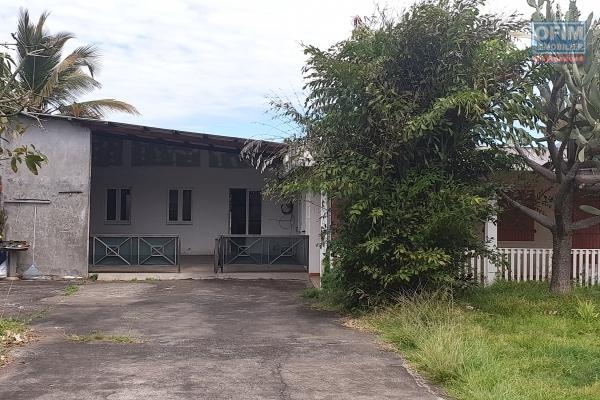 Maison F7 et Appt. F4 aux Lianes sur 6886 m2, jardin