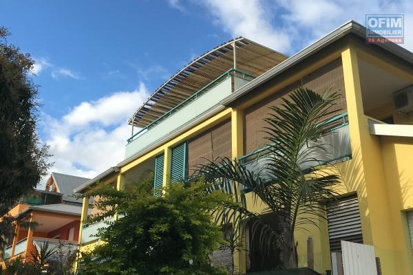 A Louer Appartement de type T3 dans une résidence sécurisée au centre ville de L'Etang salé les Hauts
