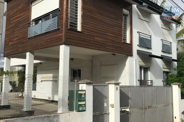 a vendre ensemble immobilier de deux logement f4 et f3 sur terrain 540m2 st paul centre