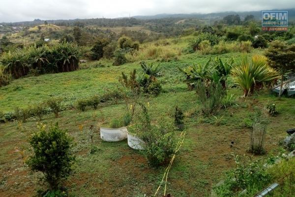 Terrain constructible de 3000 m² au Guillaume