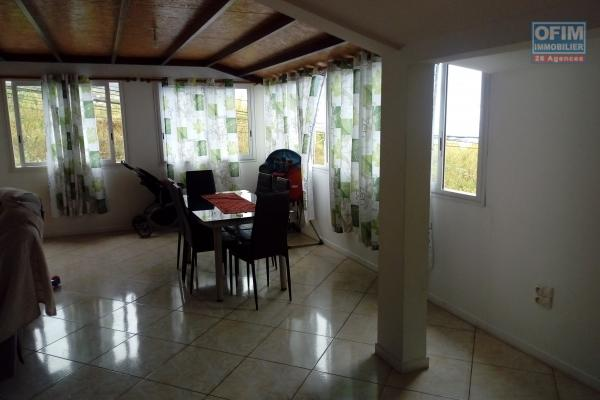 Appartement T4 La Possession ville. Prix : 183600 euros.