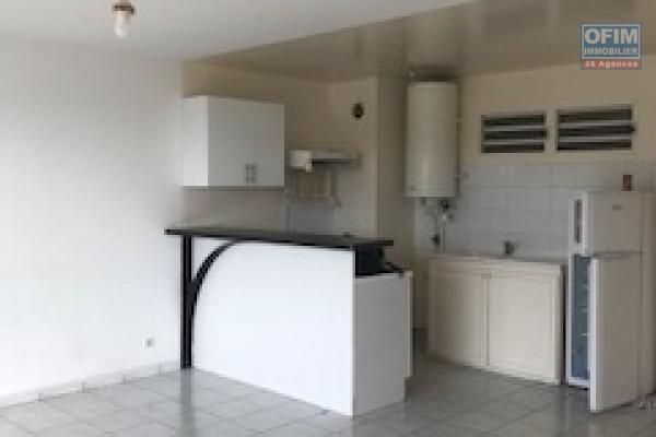 A louer T2 neuf dans la residence Castel Roc route du bois de nefles, à Ste Clotilde