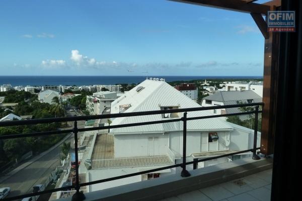 A louer T3 duplex à La Montagne avec belle vue degagée sur l'océan, dans la residence les huppes de bourbon