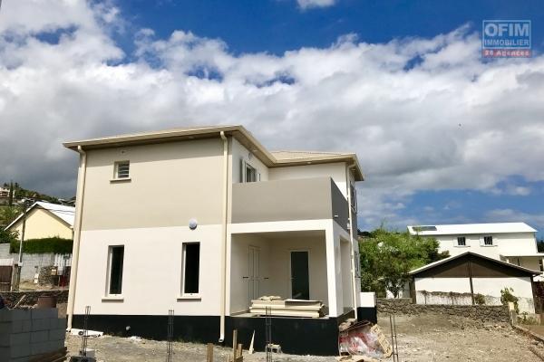 A louer villa F4 moderne à St Leu