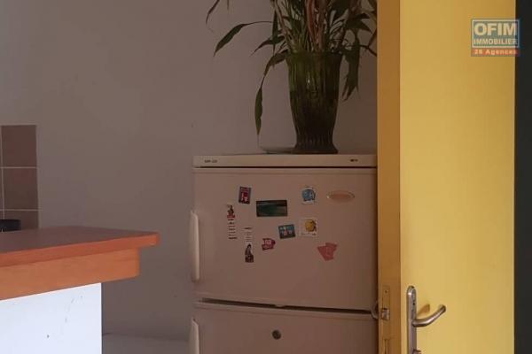 A vendre joli appartement de type F2 d'environ 39 m² au centre ville du Tampon