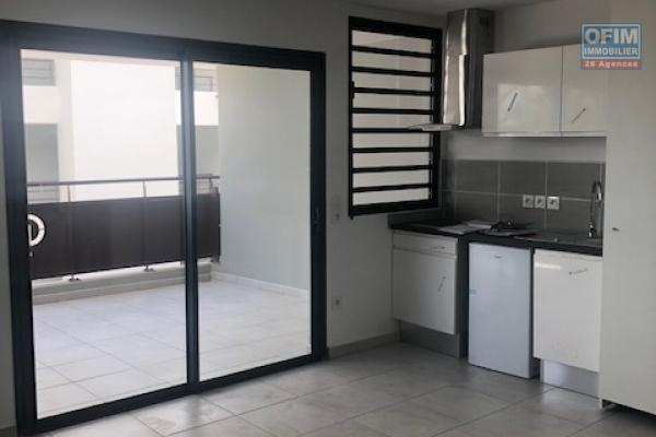 A louer cet appartement de type F3 neuf sur la résidence CASTEL ROC situé route de Bois de Nèfles à Sainte Clotilde .