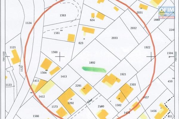 Beau terrain de 1595 m2 à CILAOS