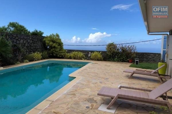 A vendre une spacieuse villa F6 piscine  chemin de la vigie la Montagne Splendide vue
