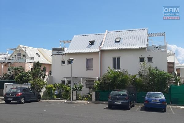 A LOUER DUPLEX de type F3 de 65,62m2 avec cour privative sur la Saline Les Bains à 850 euros!