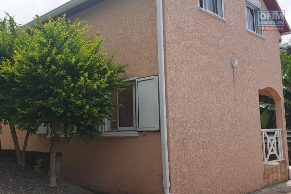 à louer villa créole f4 sur Quartier Francais chemin camp des evis