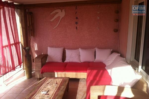 A louer ce bel appartement de type F4 neuf sur la résidence CASTEL ROC à Sainte Clotilde .