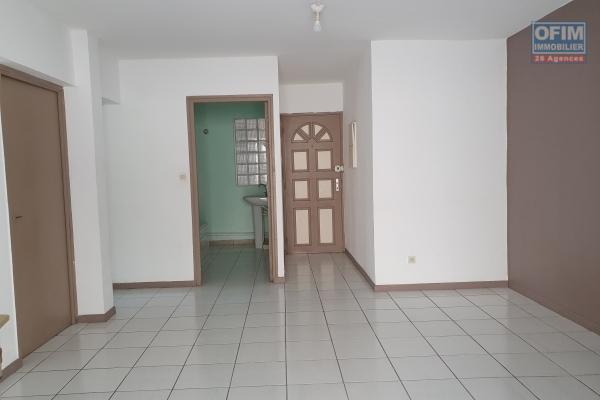 A louer magnifique appartement de standing de type F4 d'environ 137 m²  les 400 le Tampon