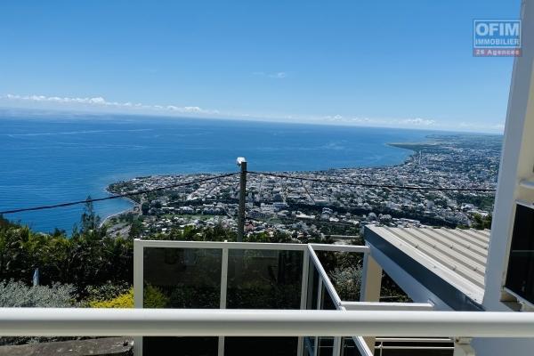 Vendre une villa F6 piscine et vue mer située chemin de la vigie à la Montagne