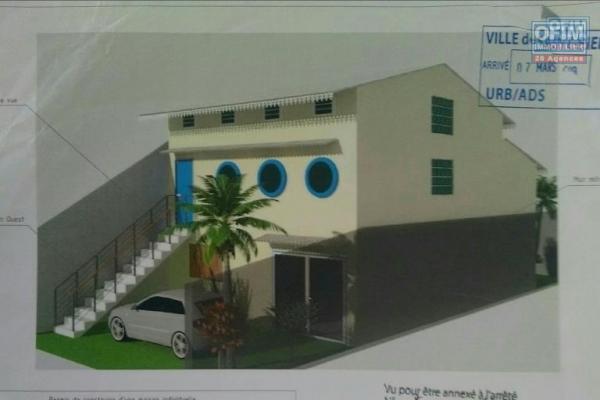 Maison F7 de 290 m2, terrain de 800 m2, vue mer, jardin