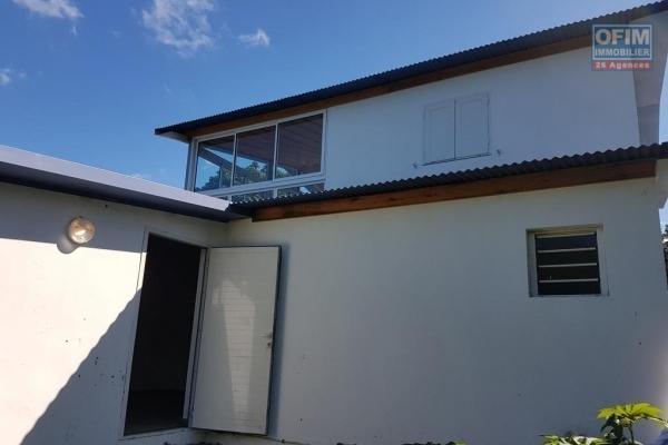 à louer charmante villa f4/5 duplex climatisée sur Saint André