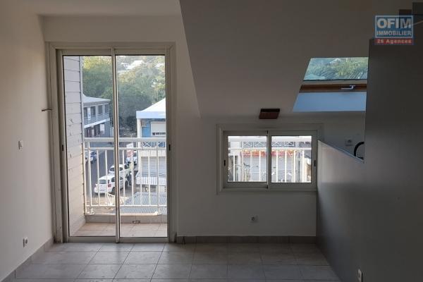 A LOUER Appartement T3/4 à RAVINE DES CABRIS