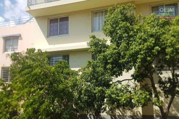 A louer Appt T2 atypique dans une petite résidence au centre ville de l'Etang salé les hauts