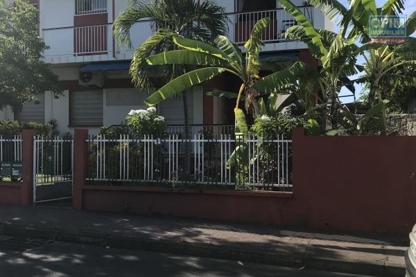 A louer Appartement neuf de type F4 dans une impasse au bas de la Ravine sèche et proche du centre ville.