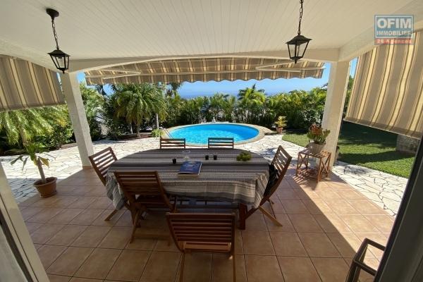 En vente charmante villa T4 avec piscine et vue mer à La Montagne dans quartier calme et résidentiel