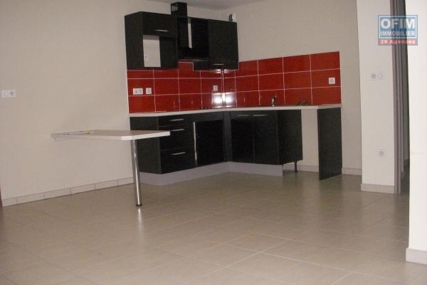 A louer appartement T3 en duplex sur bas de la Possession ( Moulin Joli )