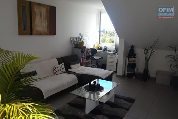A Vendre Appartement F3 de 73 m2 habitable en rez de jardin dans une Résidence proche plage à la Saline les bains.